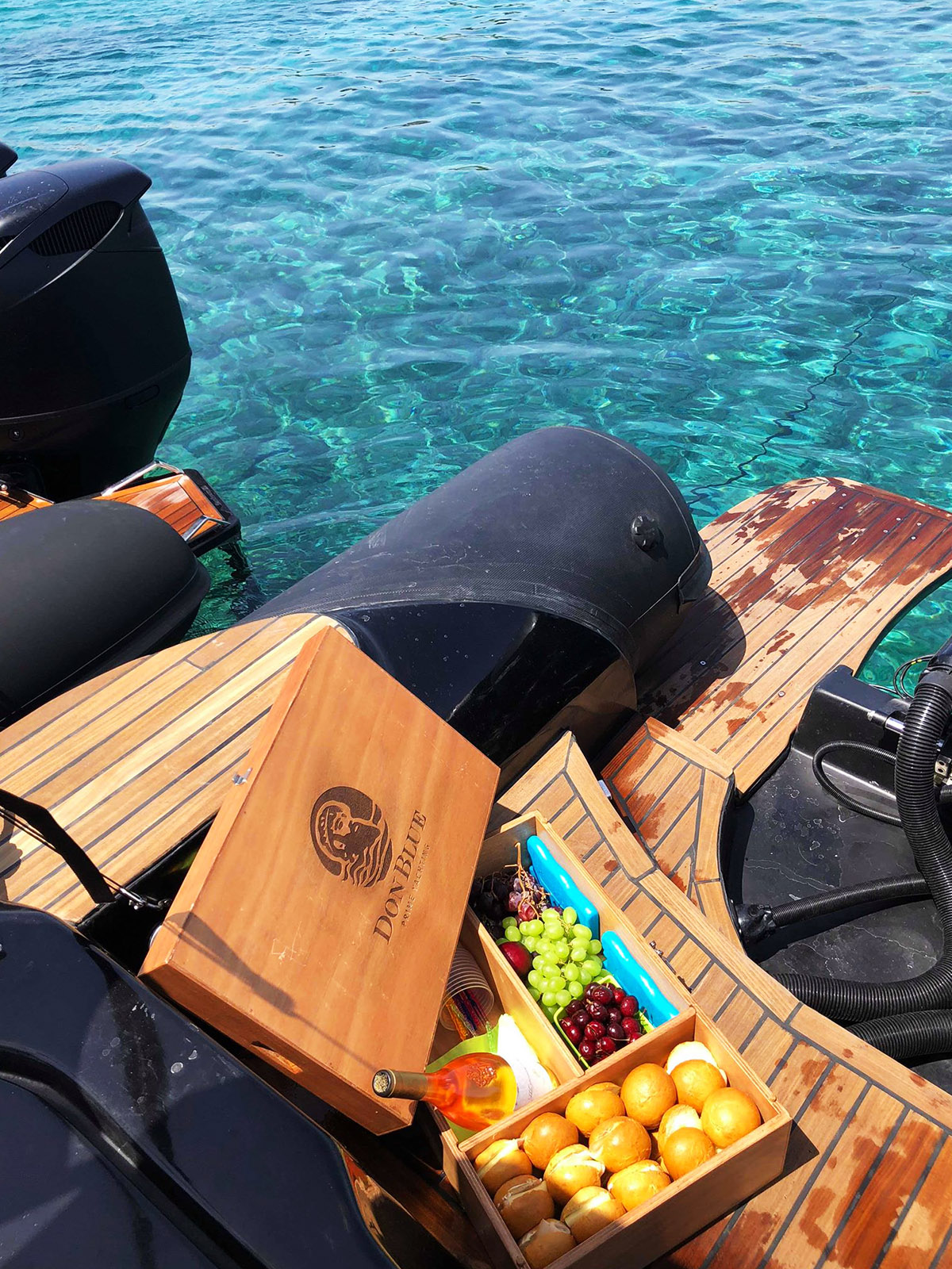 Don Blue private boat rental - Mykonos Guests