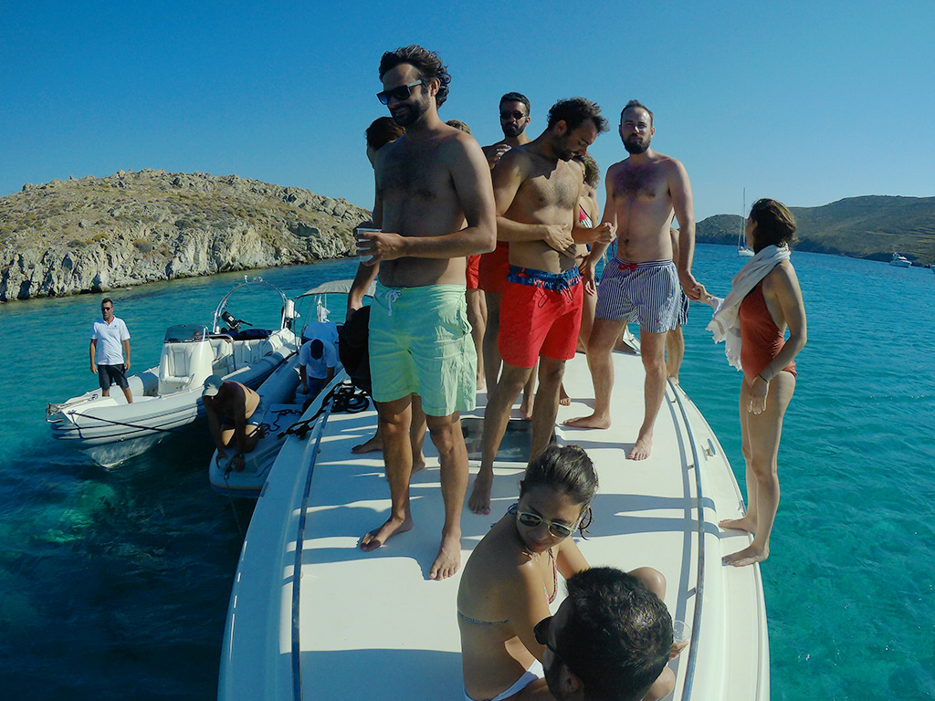 Don Blue Yachting - Mykonos private boat rental