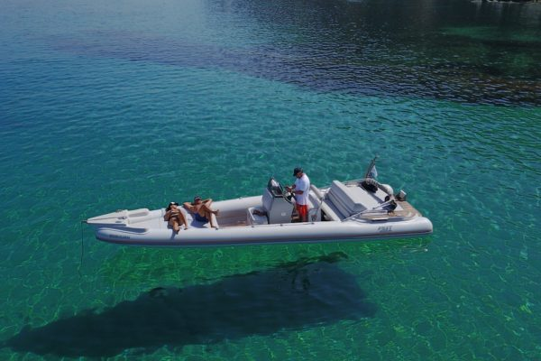 Mykonos Private Boat for rent - Don Blue Yachting - Tryton fost obsession 860
