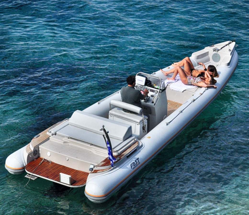 Private boats in Mykonos for rent - Don Blue Yachting